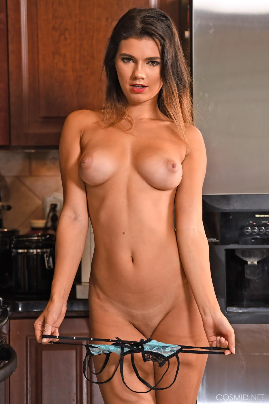 Dare Taylor Nude Kitchen Strip Set Leaked 0029