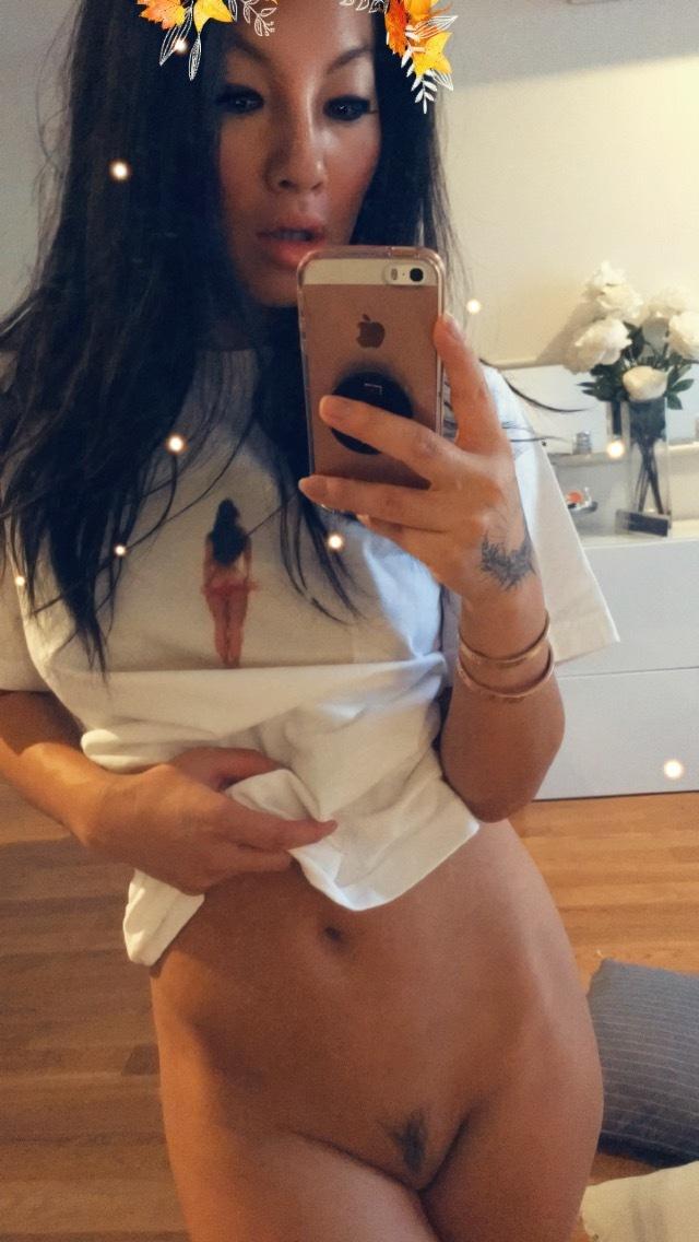 Asa Akira Nude Strip Selfies Onlyfans Set Leaked Npaukg