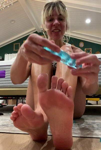 Gabbie Hanna Foot Massage Onlyfans Video Leaked