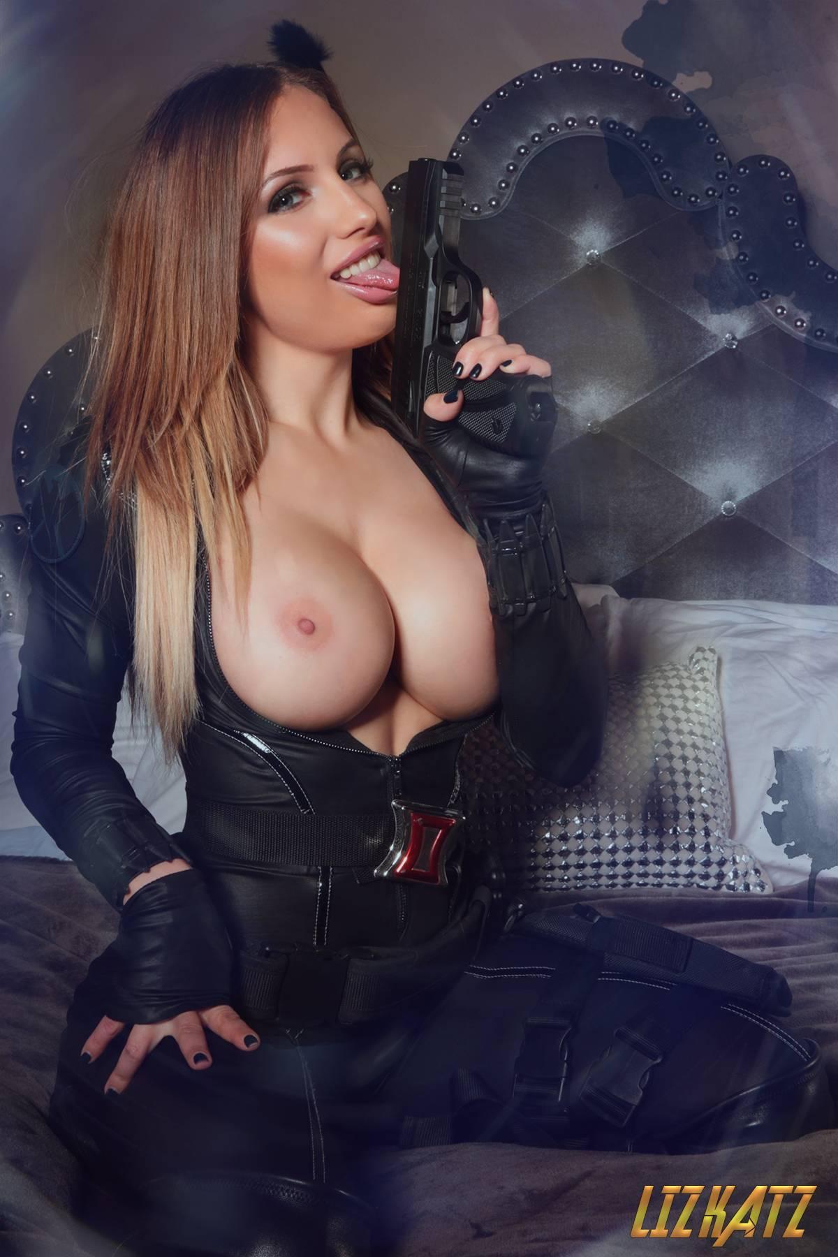 Liz Katz Topless Black Widow Cosplay Onlyfans Set Leaked Hahutv