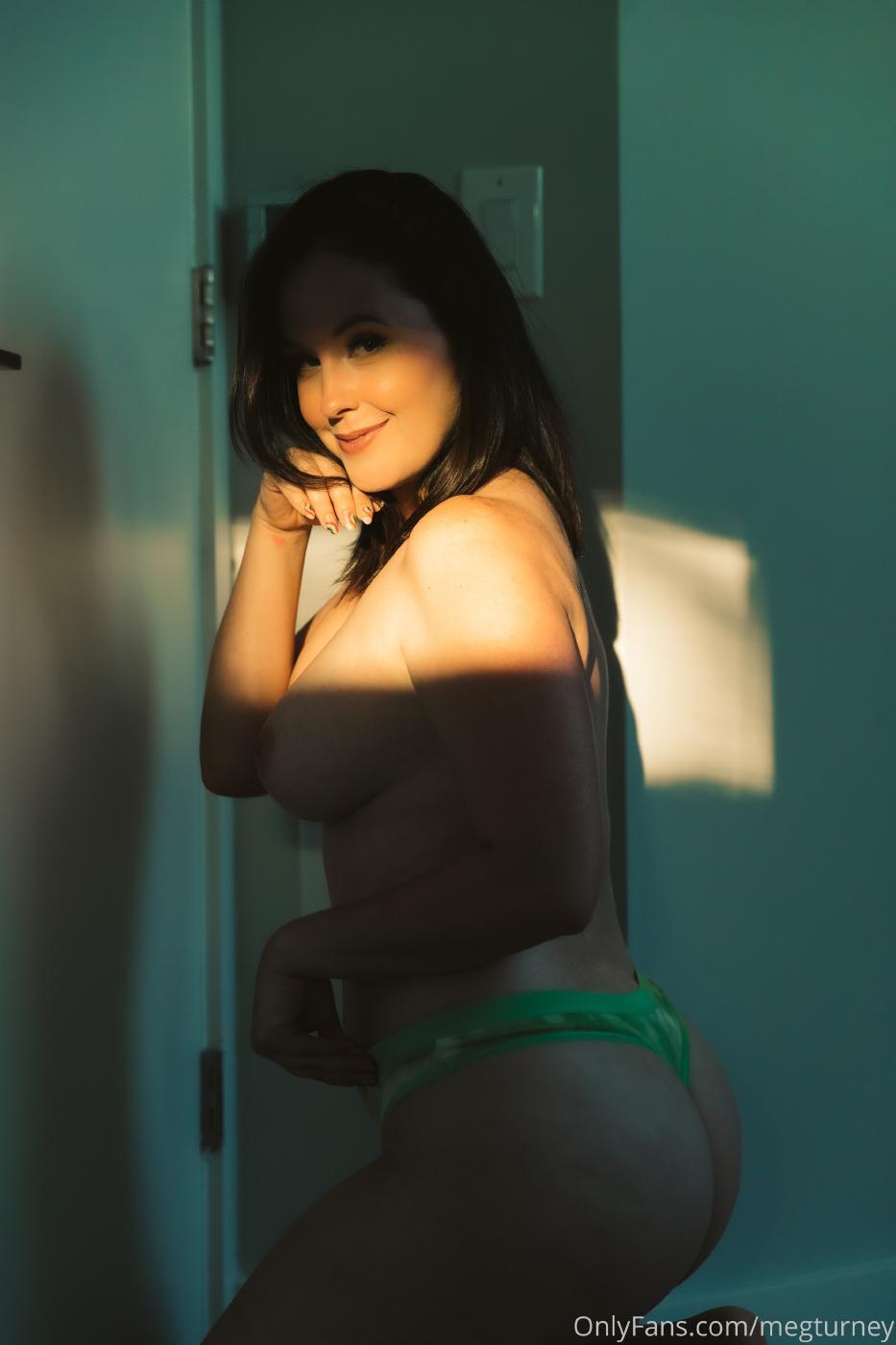 Meg Turney Nude Sunset Onlyfans Set Leaked Sbgdam