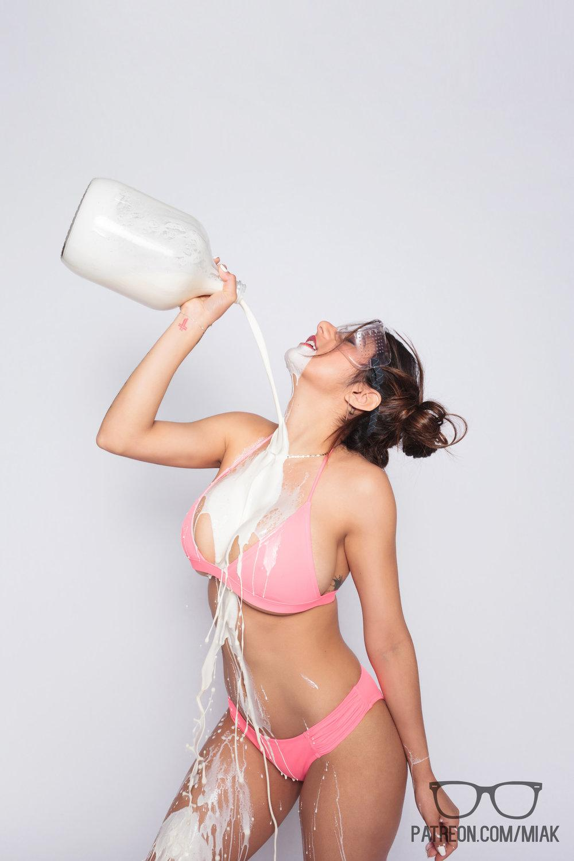 Mia Khalifa Bikini Cereal Pool Patreon Set Leaked Fkgwjv