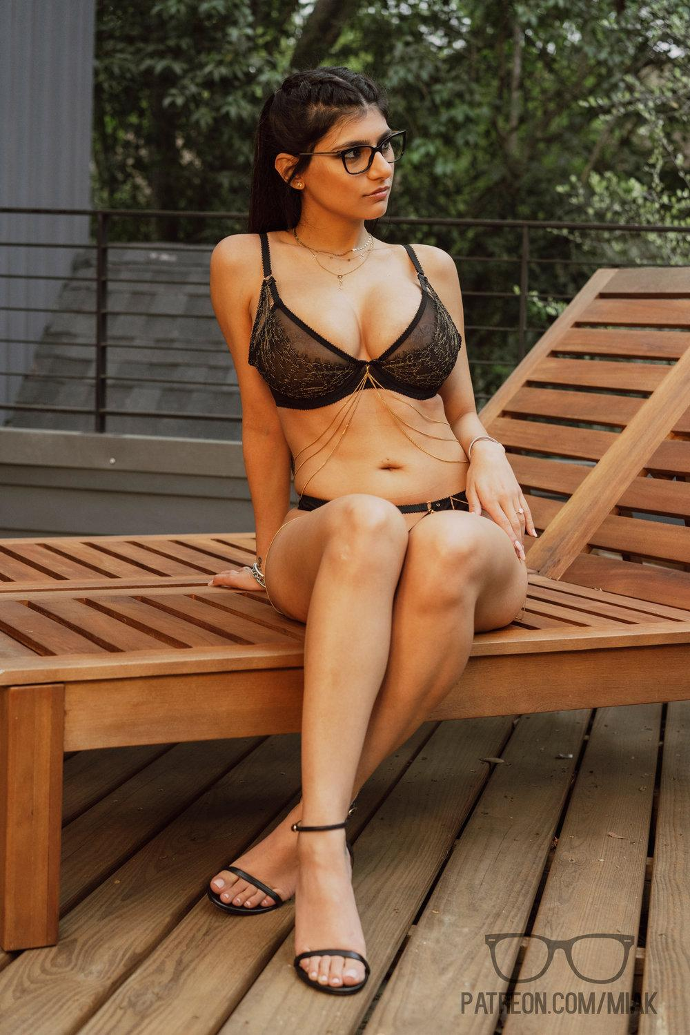 Mia Khalifa Outdoor Lingerie Patreon Set Leaked Mtitnv