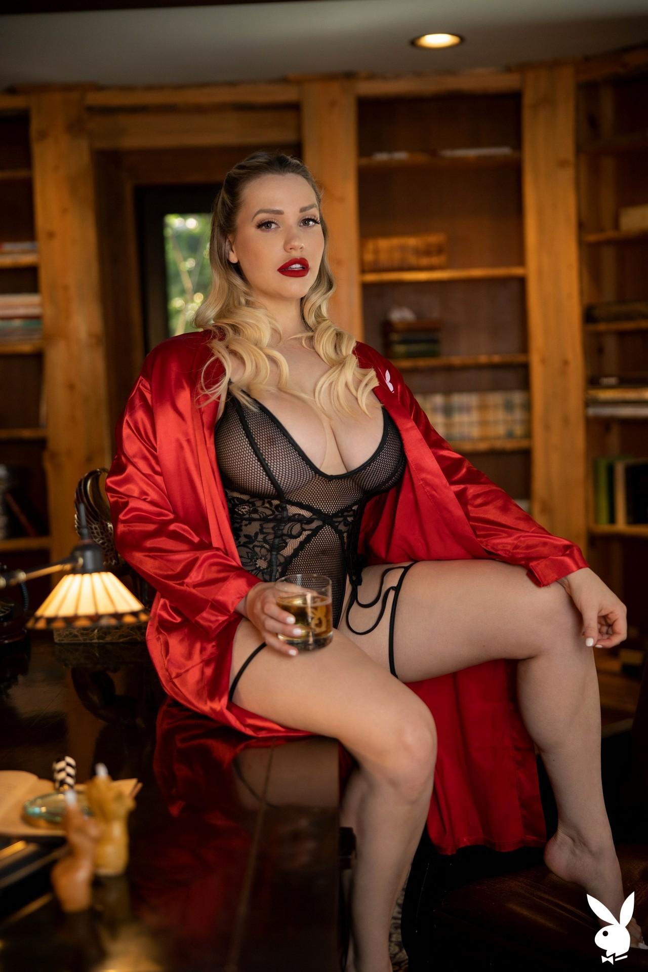 Mia Malkova In Off The Clock Playboy Plus (4)