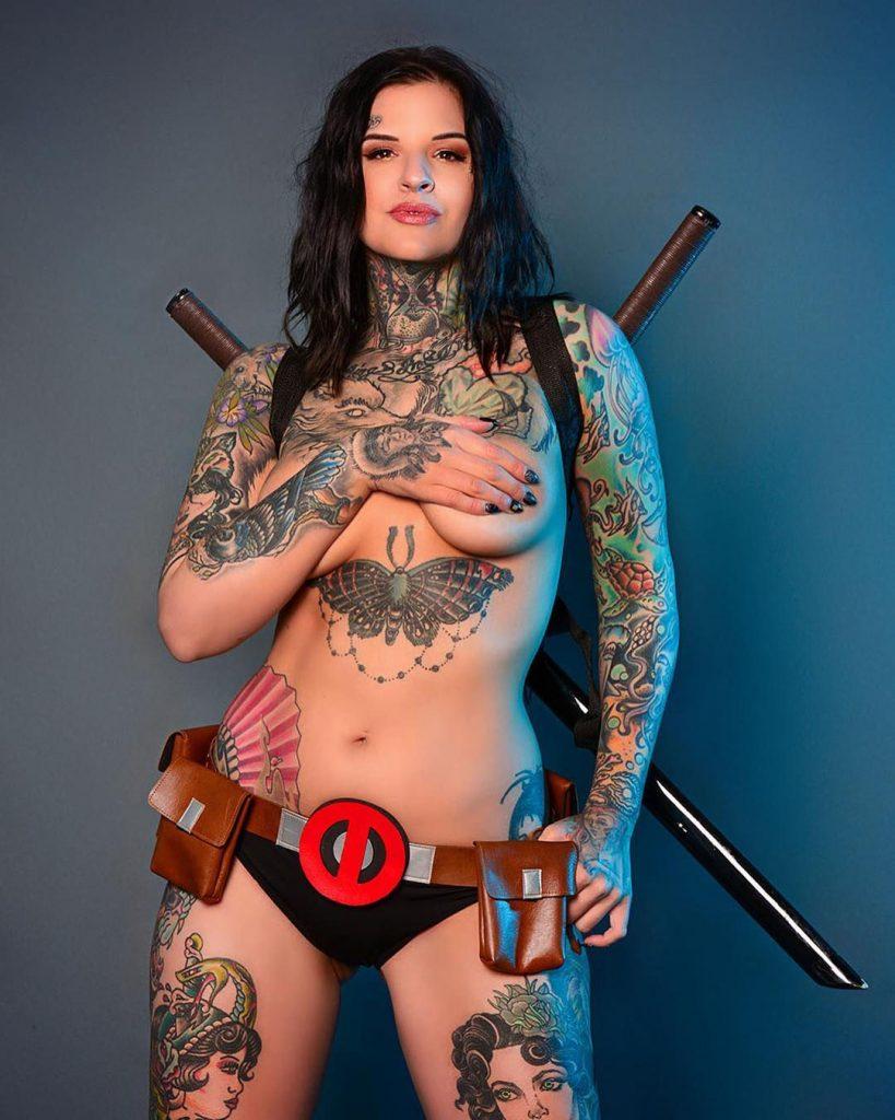Heidi Lavon Nude & Sexy 0018