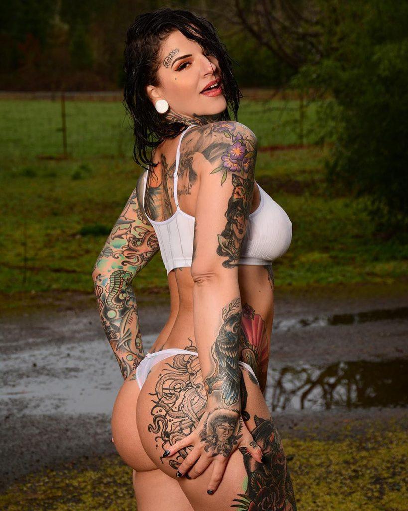 Heidi Lavon Nude & Sexy 0041