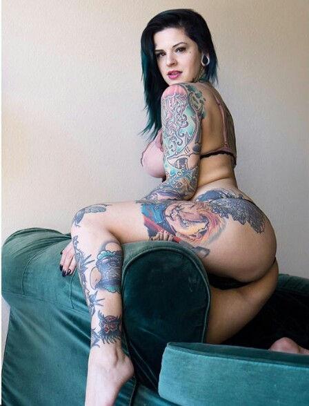 Heidi Lavon Nude & Sexy 0054