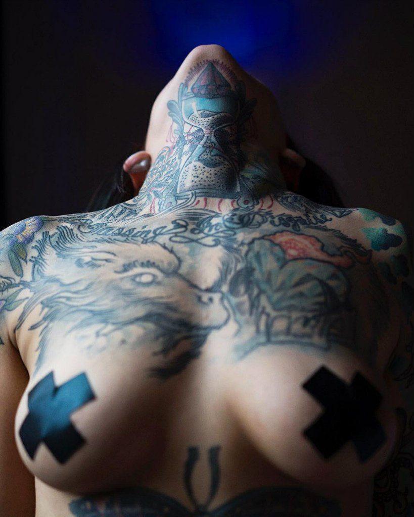 Heidi Lavon Nude & Sexy 0057