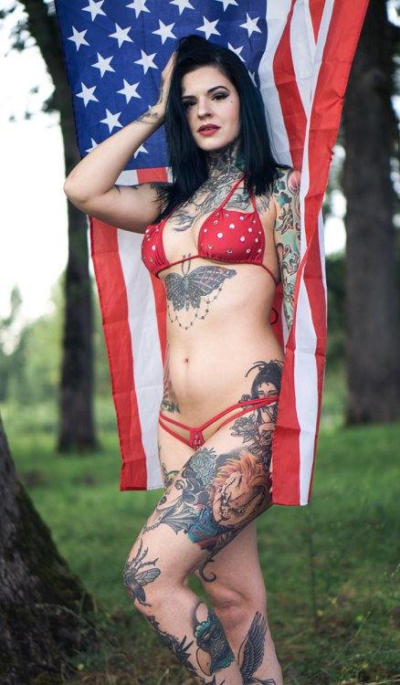 Heidi Lavon Nude & Sexy 0060