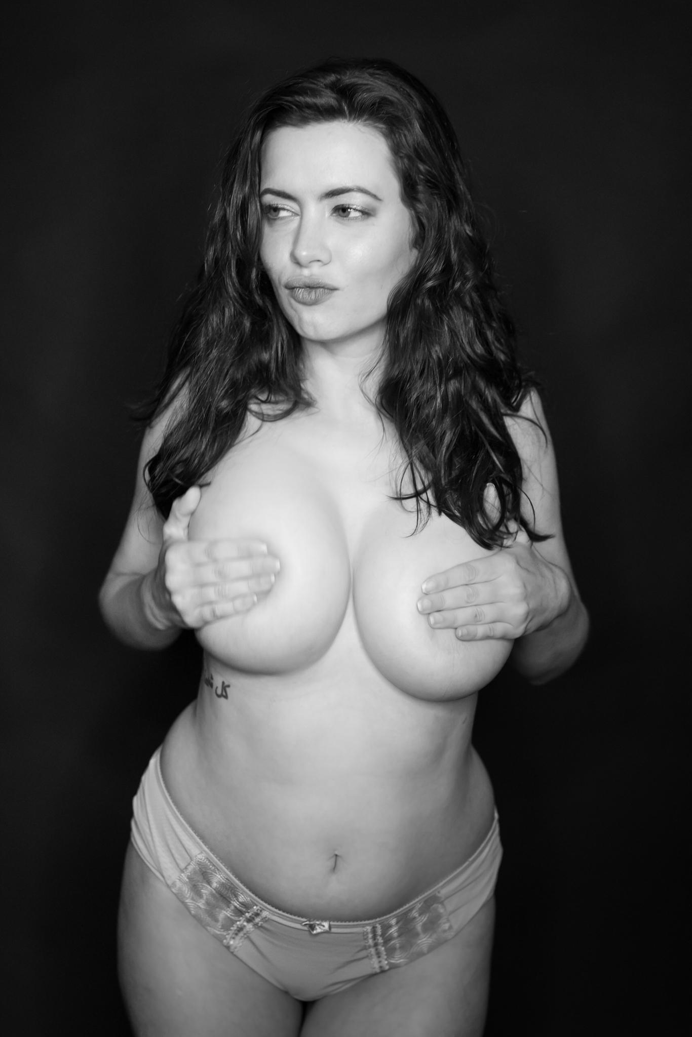 Sam Paige Nude Lingerie Strip Set Leaked 0002