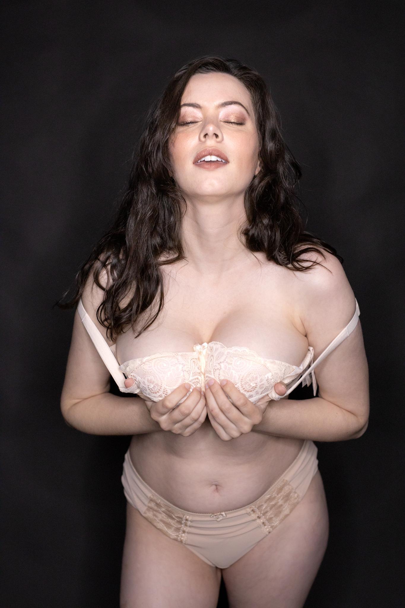 Sam Paige Nude Lingerie Strip Set Leaked 0005