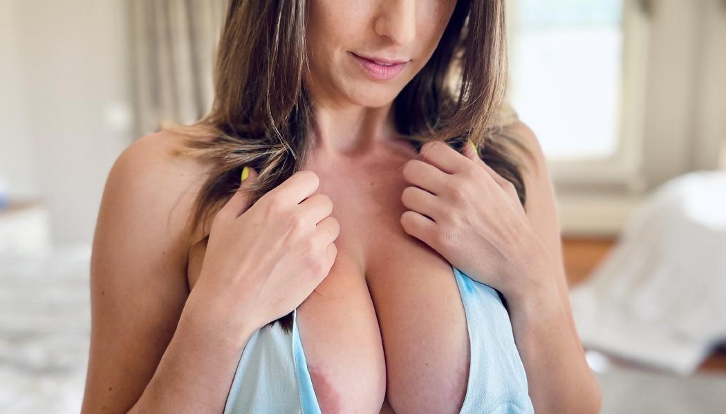 Christina Khalil Nipple And Pussy Tease Onlyfans Set Leaked Pttuzw