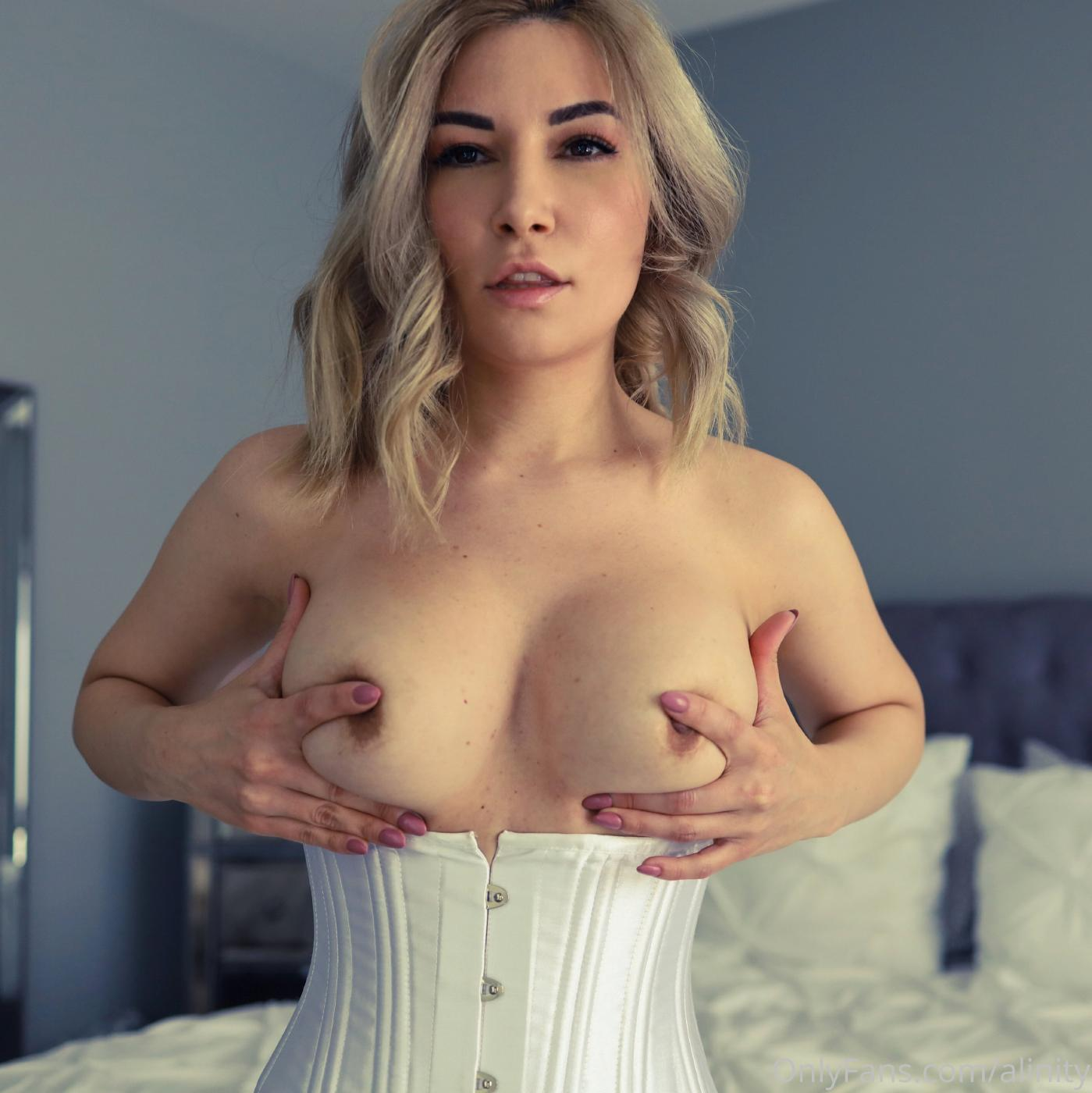 Alinity Nude Corset Onlyfans Set Leaked 0002