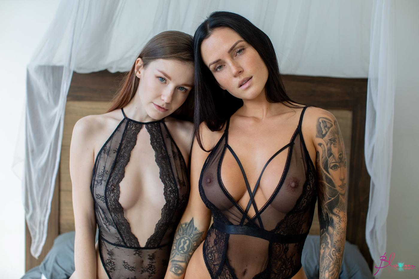 Emily Bloom Kayla Lauren Lesbian Set Leaked 0019