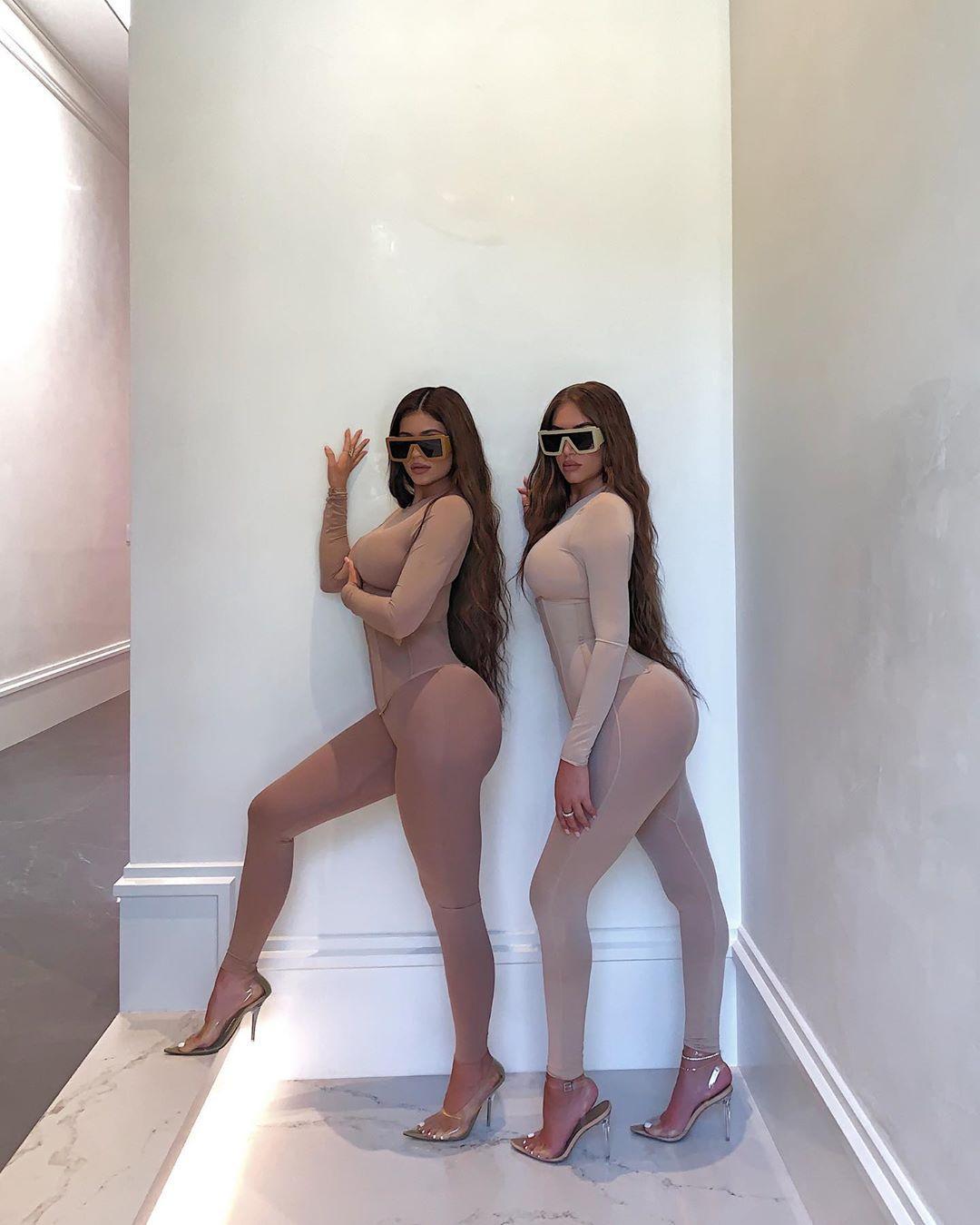 Kylie Jenner Lesbian Bikini See Through Dress Photoshoot Leaked 0004