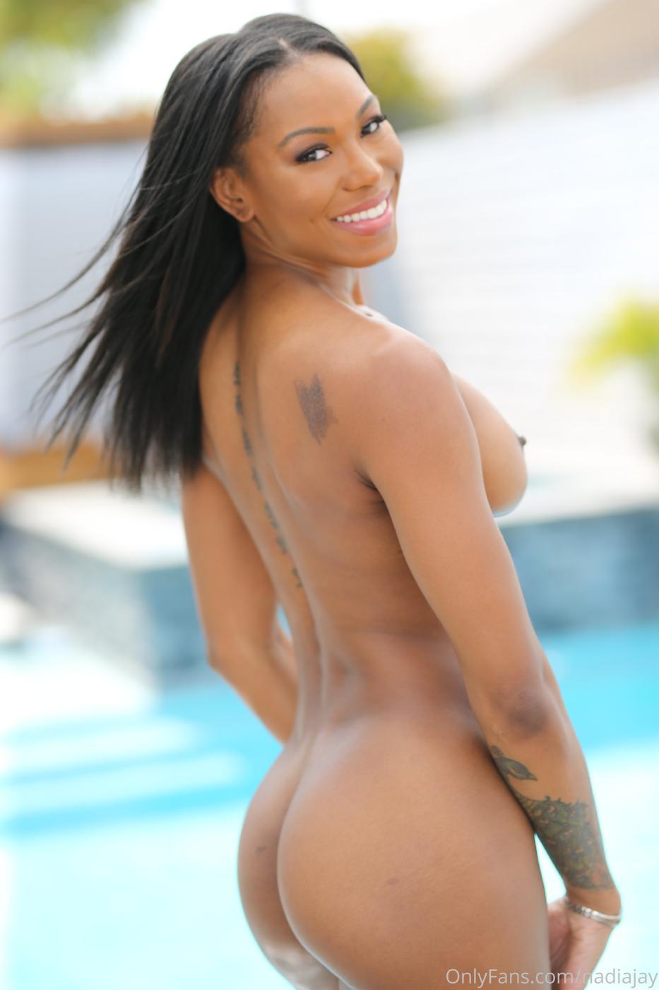 Nadia Jay Nude Lingerie Pool Strip Onlyfans Set Leaked0003