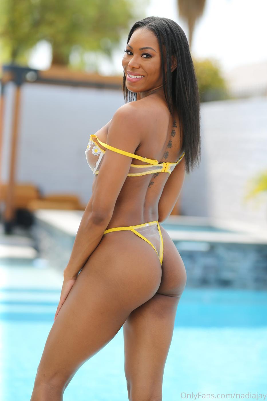 Nadia Jay Nude Lingerie Pool Strip Onlyfans Set Leaked0004