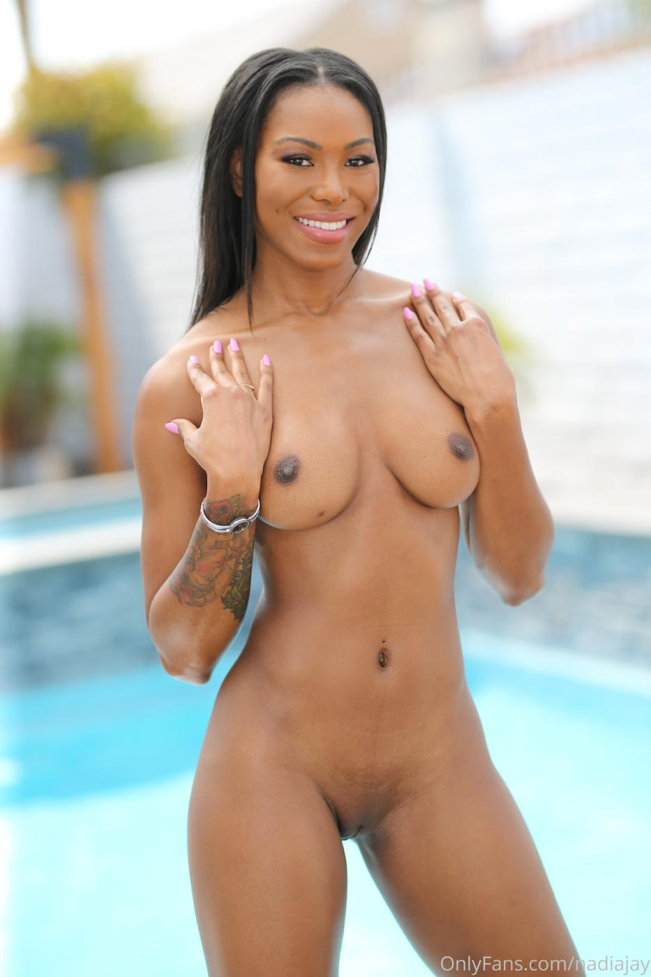 Nadia Jay Nude Lingerie Pool Strip Onlyfans Set Leaked0006